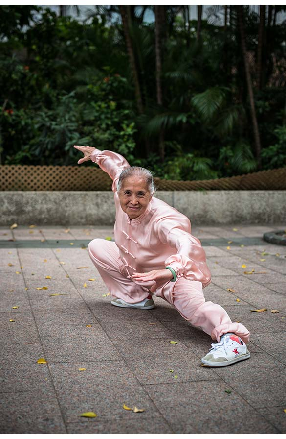 75 year old Chinese lady is more of a grandmaster than a grandma